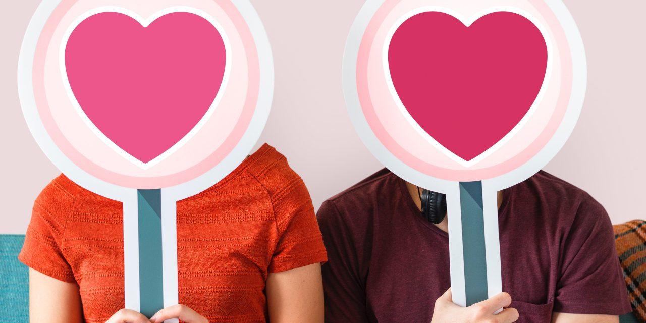 pink online dating dating par kysser scener